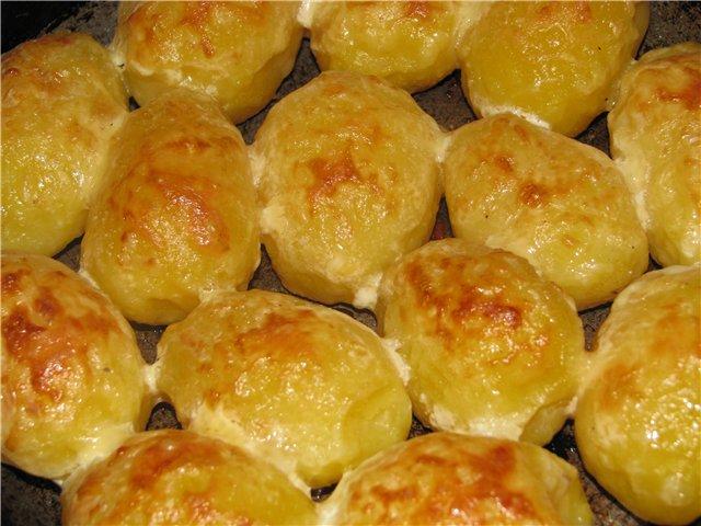 Картофель со сметаной по деревенски в духовке рецепт